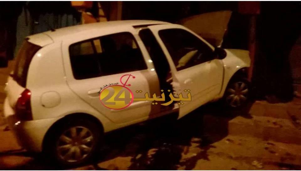 اصطدام سيارة باقواس شارع سيدي عبد الرحمان يخلف جرح شخصين