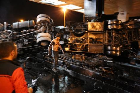 قتيل و8 جرحى في حادثة شاحنة البترول بأكادير
