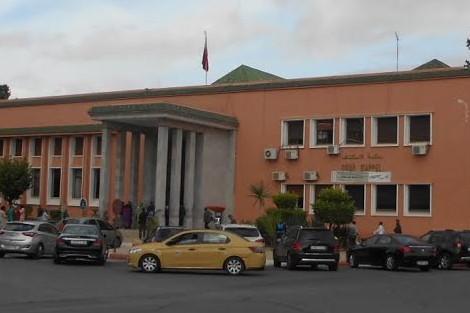 مثول 3 موظفين ببلدية اولاد التايمة امام محكمة جرائم الاموال بمراكش