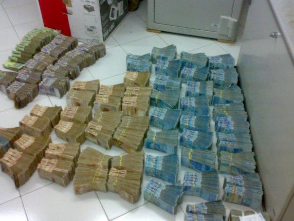 جمارك أكادير تفتح تحقيقا في اختلاسات بإدراتها بلغت 800 مليون سنتيم