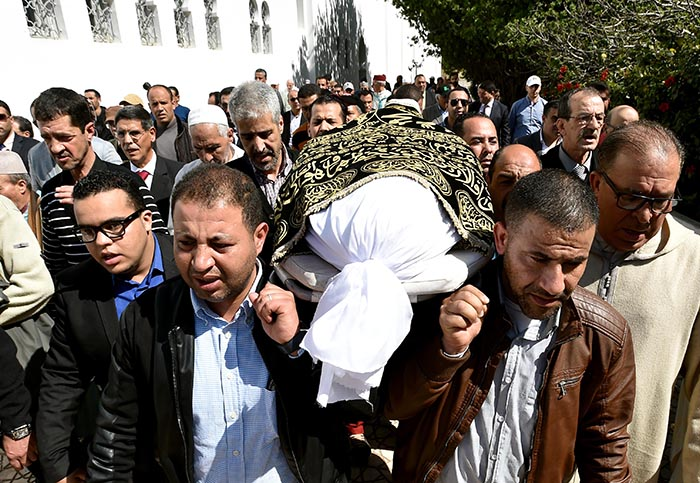 مسؤولون كبار في تشييع جنازة البرلماني المقتول