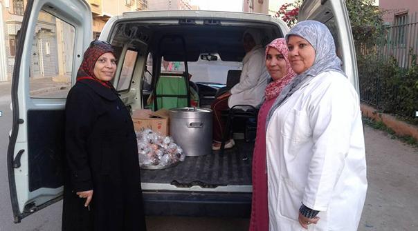 """بالصور : """"جمعية التضامن للأعمال الاجتماعية الدشيرة الجهادية"""" في حملة تضامنية وتوزيع مساعدات على أشخاص في وضعية احتياج"""