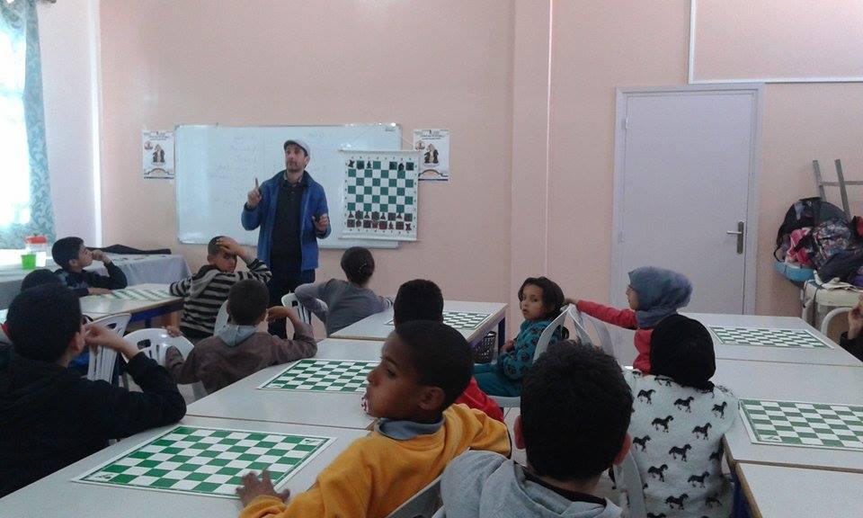 القافلة اﻻقليمية للشطرنج تحط الرحال بحي دوتركا