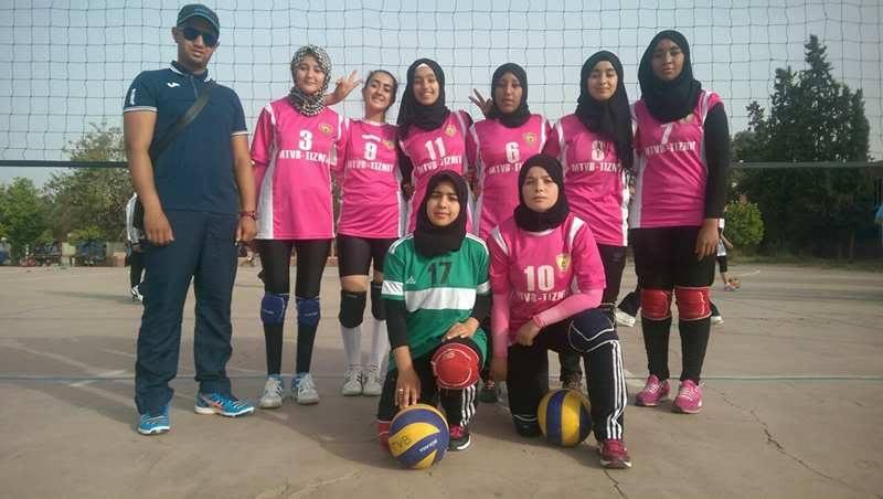 فتيات ثانوية الوحدة تيزنيت يتألقن و يبلغن نهائي بطولة المغرب المدرسية للكرة الطائرة