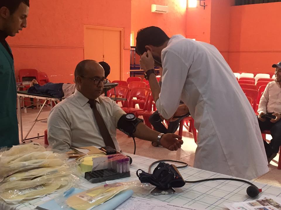 مديرية وزارة الشباب و الرياضة بتيزنيت تتبرع بالدم + صور