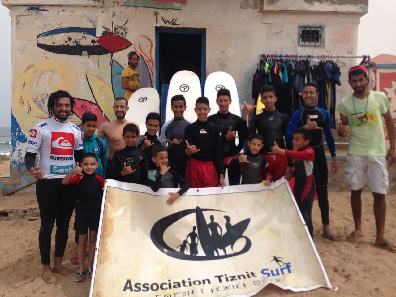 جمعية تيزنيت لركوب الموج تفتتح باب الانخراط للموسم الرياضي الجديد