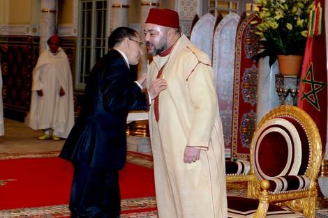 """الملك محمد السادس ينهي """"بلوكاج الحكومة"""" ويعيّن الوزراء الجدد"""