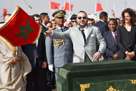 """الملك محمد السادس يطلق إنجاز رابع محطّات مركّب """"نور ورزازات"""""""