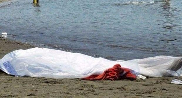 انتشال جثة أحد الشابين اللذين غرقا قرب شاطئ الحويزة بسيدي إفني