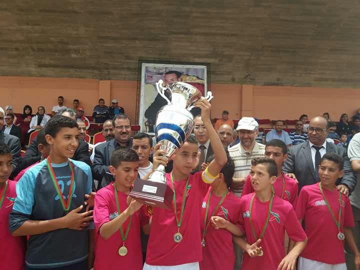 فريق حي العين الزرقاء مديرية تيزنيت يتأهل للبطولة الوطنية لأبطال الحي