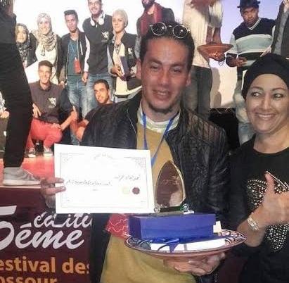 تتويج احمد راجي بجائزة أحسن ممثل في مهرجان ليالي جسور
