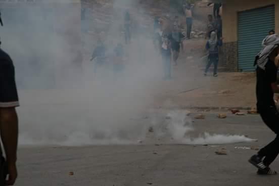 قنابل مسيلة للدموع واعتقالات بالجملة لتفريق احتجاجات الحسيمة