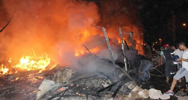 فاس .. حريق يأتي على أزيد من100 (براكة) بسوق شعبي