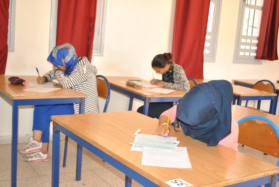 بالصور : جماعة تيزنيت تنظم الامتحانات التجريبية للمستوى الثالث من التعليم الاعدادي