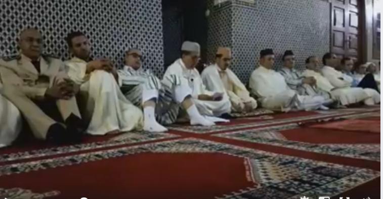 فيديو : عامل اقليم تيزنيت يترأس حفل احياء ليلة القدر المباركة لعام 1438ه