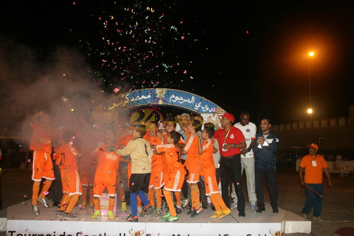 فريق تسقولت يتوج بلقب دوري محمد كوسعيد لكرة القدم المصغرة + صور