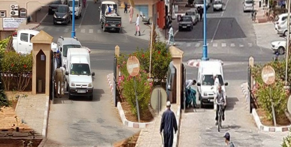 جرح سيدة في حادث سير امام مدخل باشوية و جماعة تيزنيت