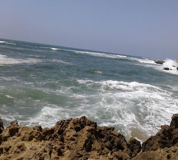 غرق طفل من مدينة تاونات بساحل أحد شواطئ ميراللفت.