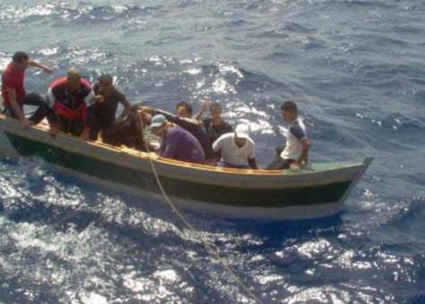 """إنقاذ 6 """"حرَّاگة"""" واختفاء 9 آخرين بسواحل """"سيدي إفني"""""""