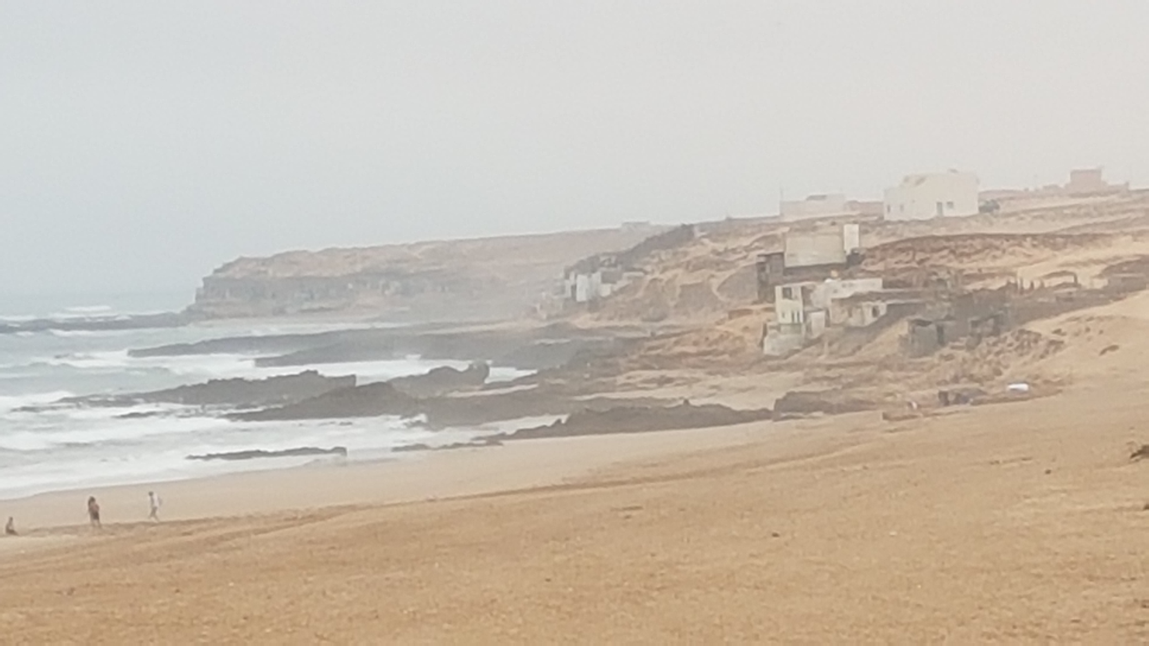 العثور على يد مبثورة مجهولة الهوية بمنطقة تصلضيحت بشاطئ اكلو