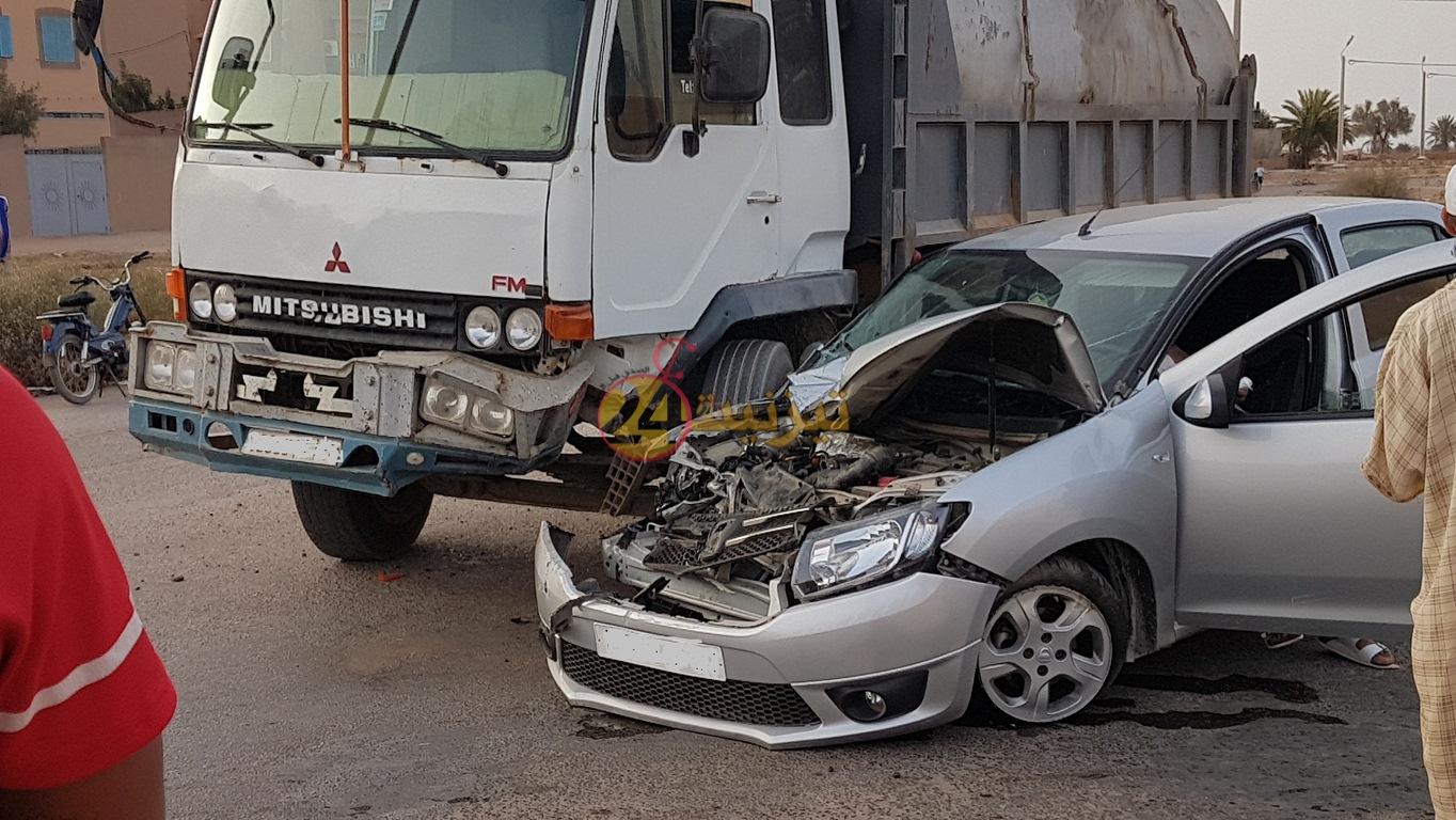 خسائر مادية في حادثة سير بالمجال الحضري لتيزنيت + صور