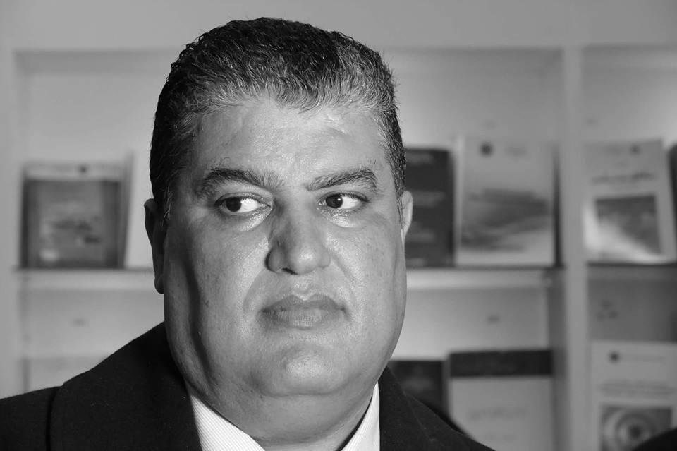 """عمر حلي: لكي """"تورق الكروم"""" لا بد من المعاول"""