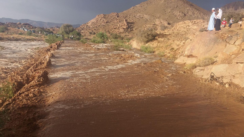 أمطار رعدية تتسبب في قطع طريق بتافراوت و اتلاف أخرى بمنطقة تارسواط