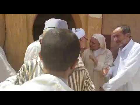 العالم الاسلامي يودع عالما وهب 70 عاما من حياته للعلم