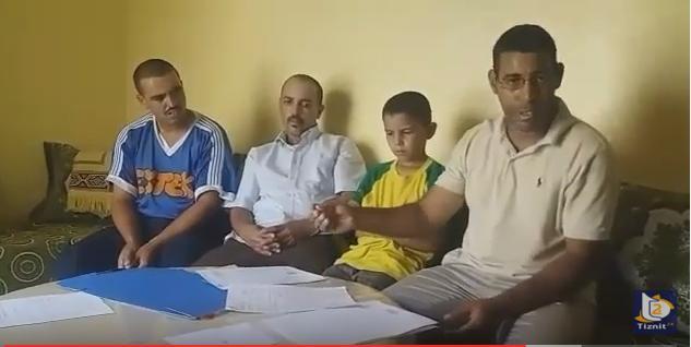 بالفيديو : عائلة تشتكي بسبب عدم ربط منازلها بالكهرباء و الماء بجماعة أربعاء الساحل