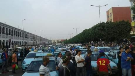 تصعيد سائقي سيارات الأجرة الصغيرة بانزكان بوقفة انذارية اليوم الثلاثاء