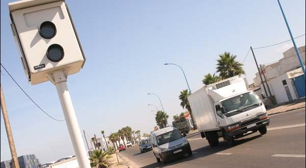 وزارة النقل تستعد لتثبيت رادارات بالطرق لرصد مخالفات السائقين