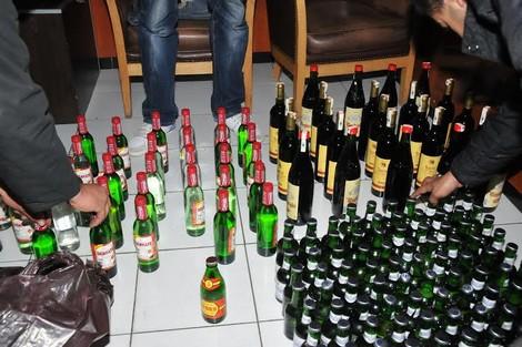"""حجز مئات قنينات الخمر على """"تريبورتور"""" بأكادير"""
