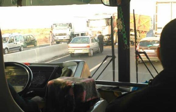 مخفضات السرعة بالطريق الوطنية بين تيزنيت و أكادير تتسبب في حادثة سير