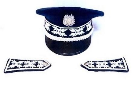 قبعات نظامية و شارات جديدة لرجال الأمن الوطني