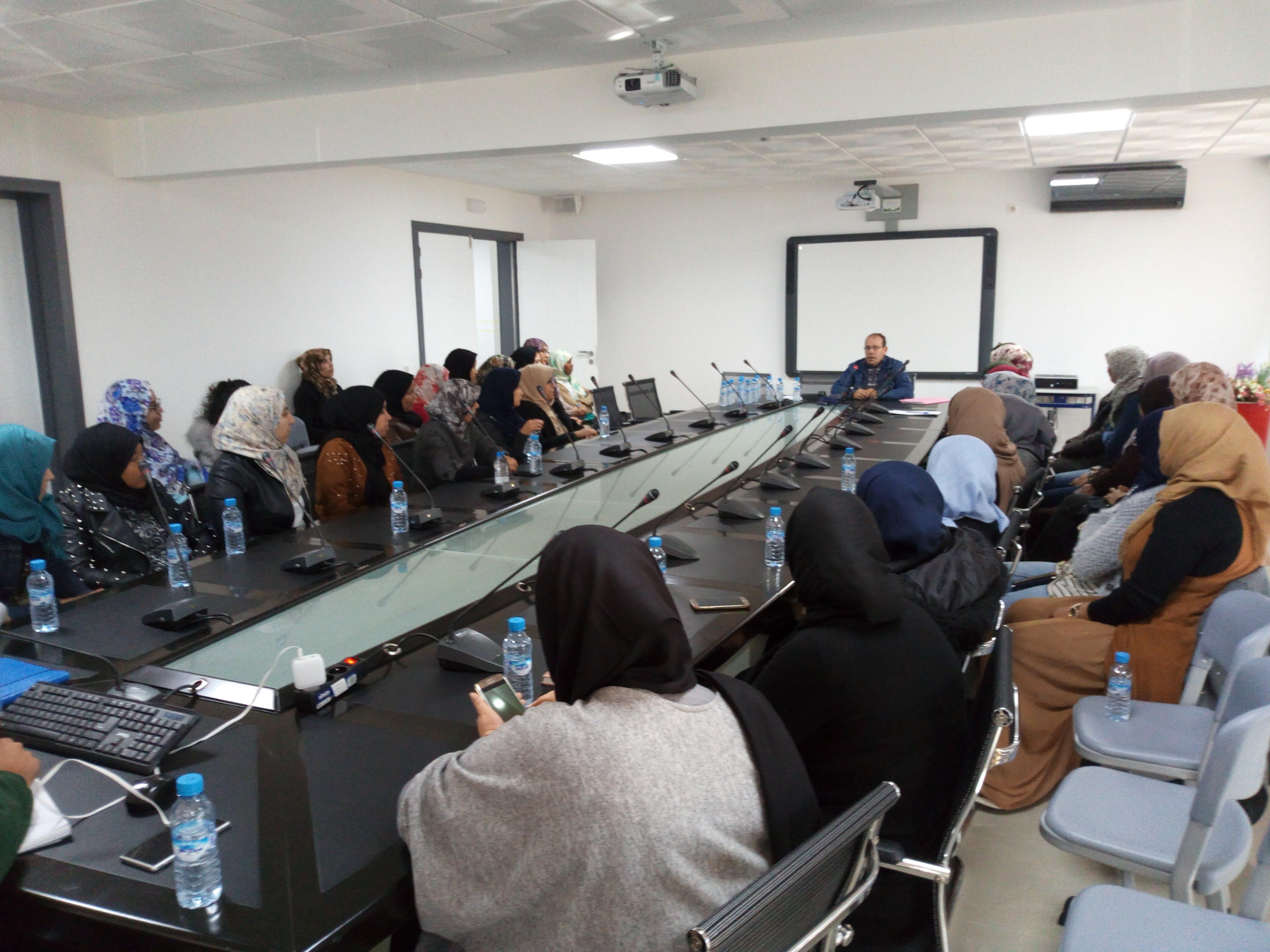 لقاء تواصليا يجمع الهيئة الوطنية للتربية والتعليم الأولي بالمربيات بأكادير