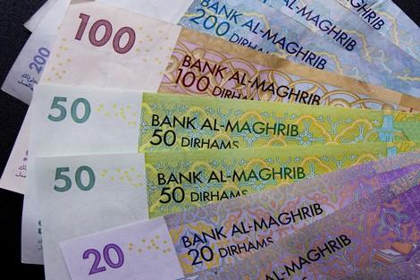 """الدرهم يسجل """"شبه استقرار"""" أمام الأورو والدولار"""