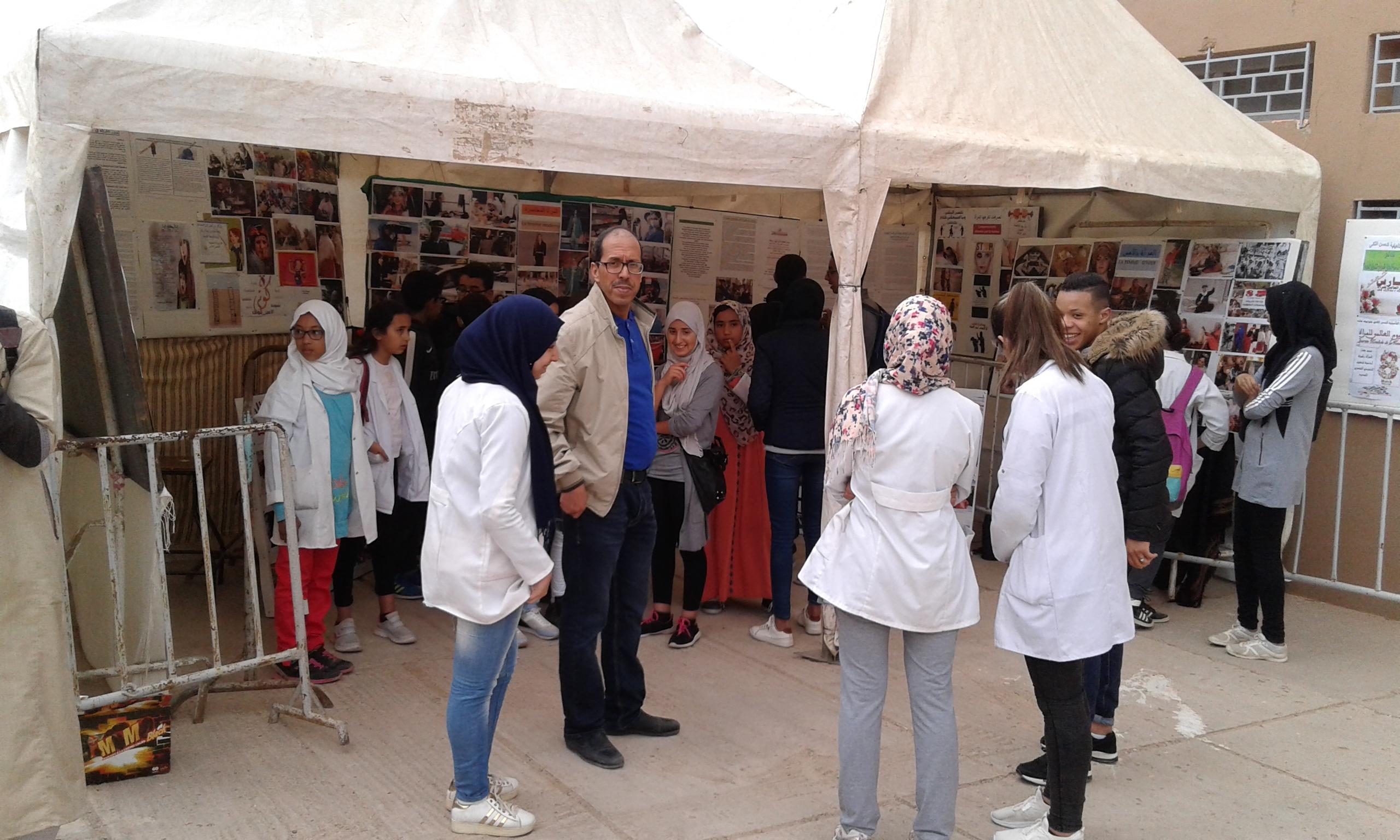 تلاميذ ثانوية الحسن الثاني يحتفلون  باليوم العالمي للمرأة