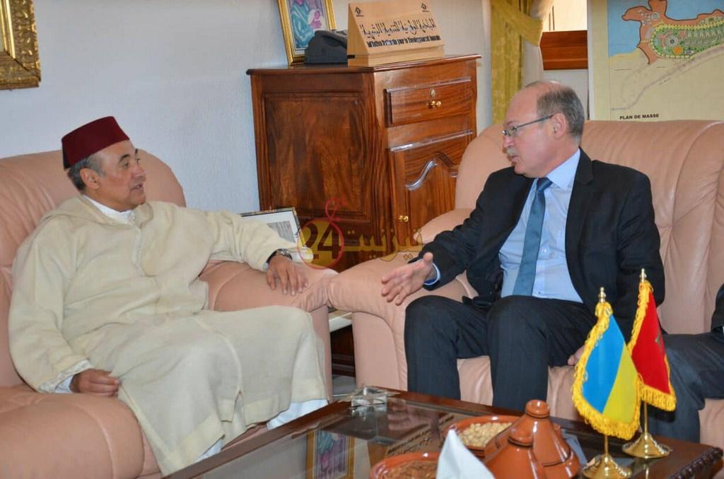 سفير أكرانيا يشيد بطلبة تيزنيت في زيارة خاصة للمدينة