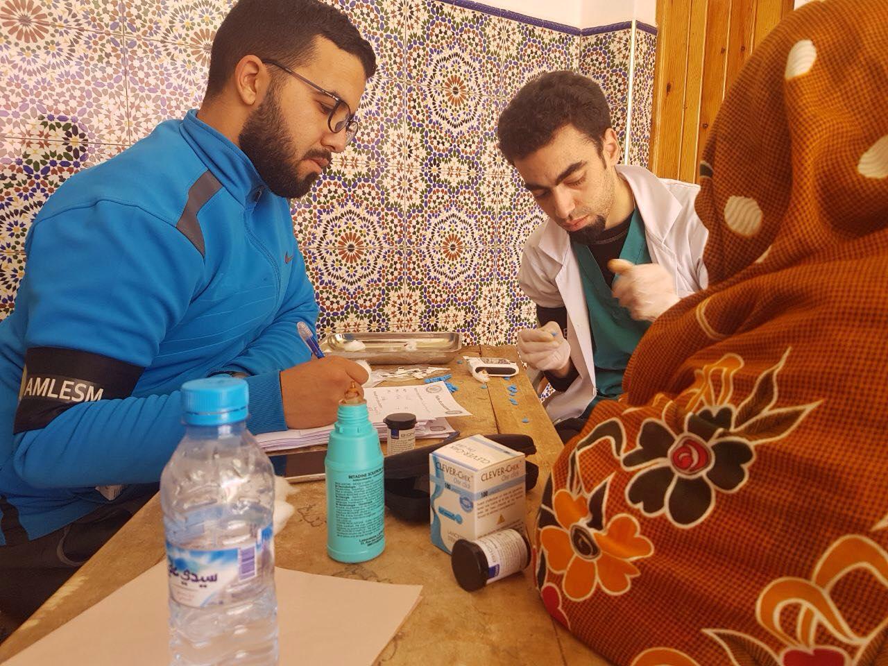 حملة طبية تشمل سكان دوار افود و تغزوت بجماعة الساحل