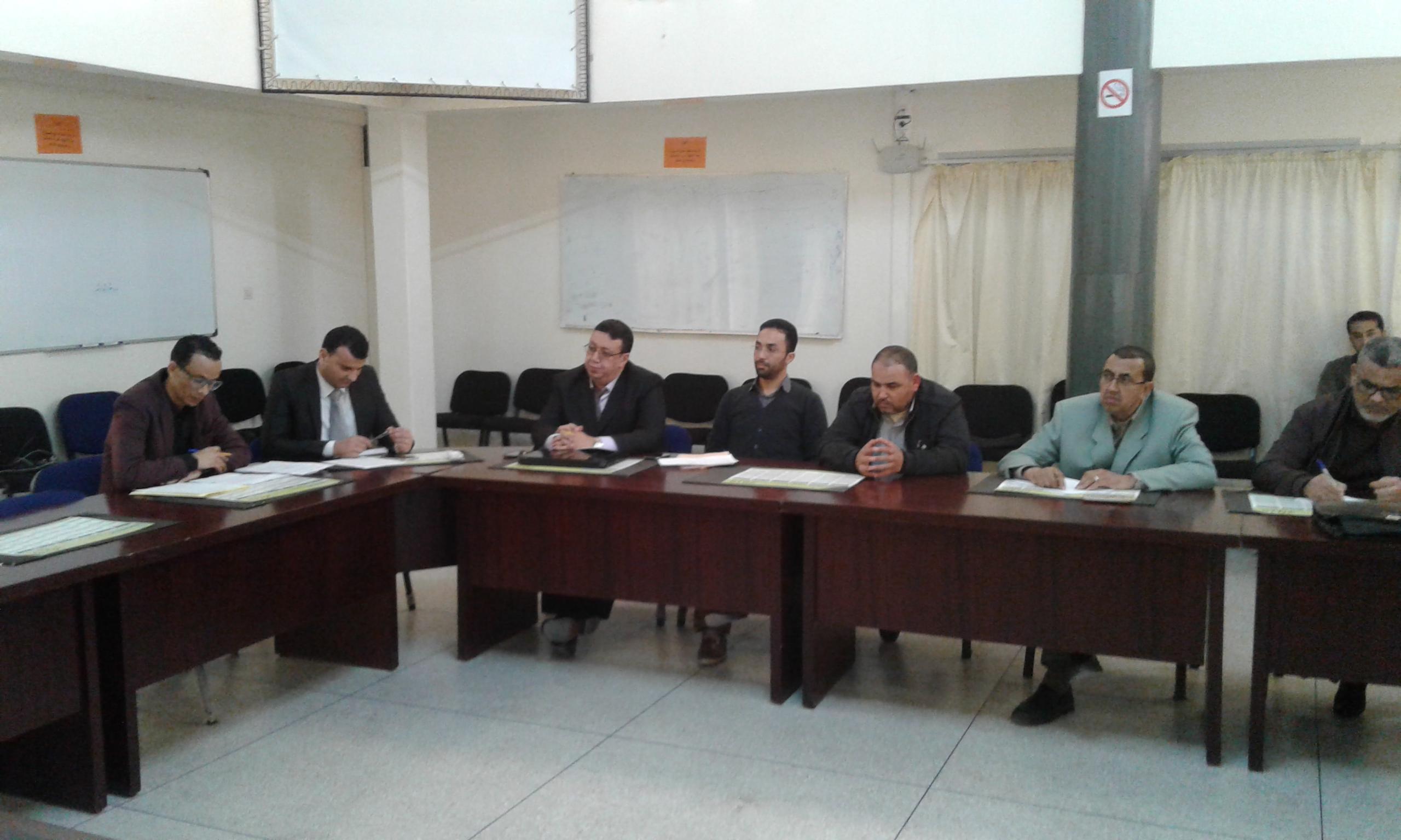 لقاء تواصلي حول الحصيلة المرحلية للمسالك الدولية للباكلوريا المغربية بمديرية تيزنيت