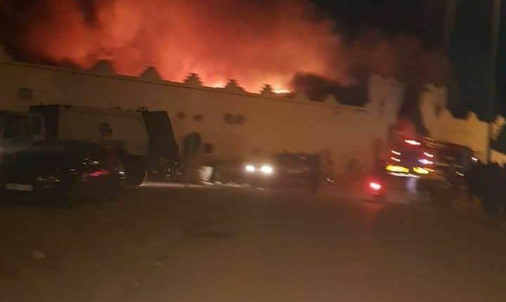 حريق مهول بسوق الثلاثاء بإنزكان ليلة