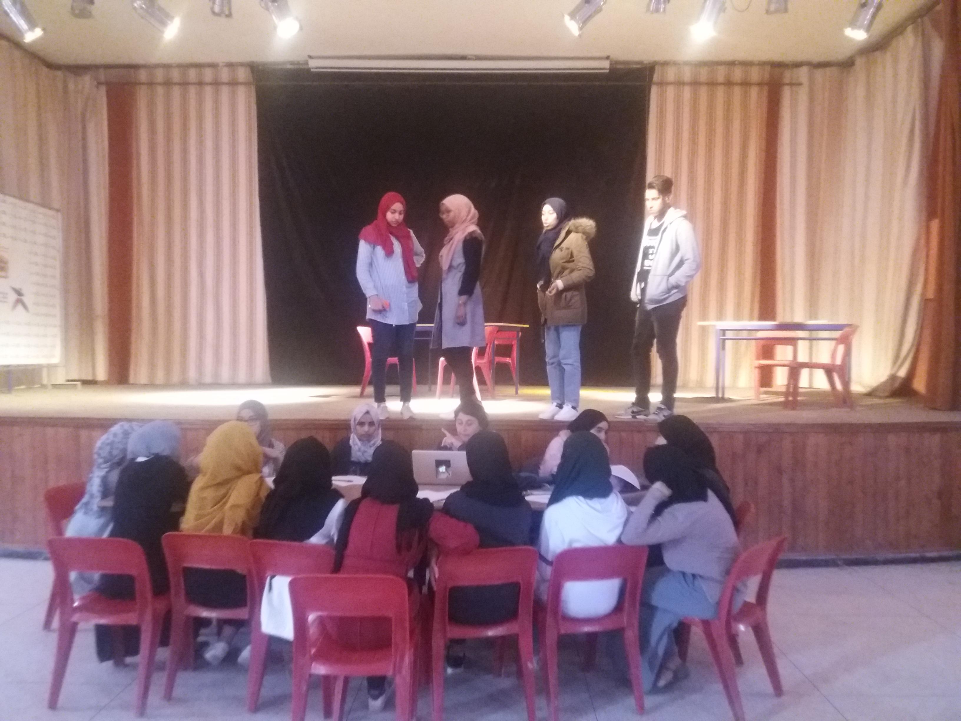 انطلاق التكوين المسرحي بتيزنيت لفائدة المستفيدات من مشروع  « UNE CARRIERE POUR ELLE »