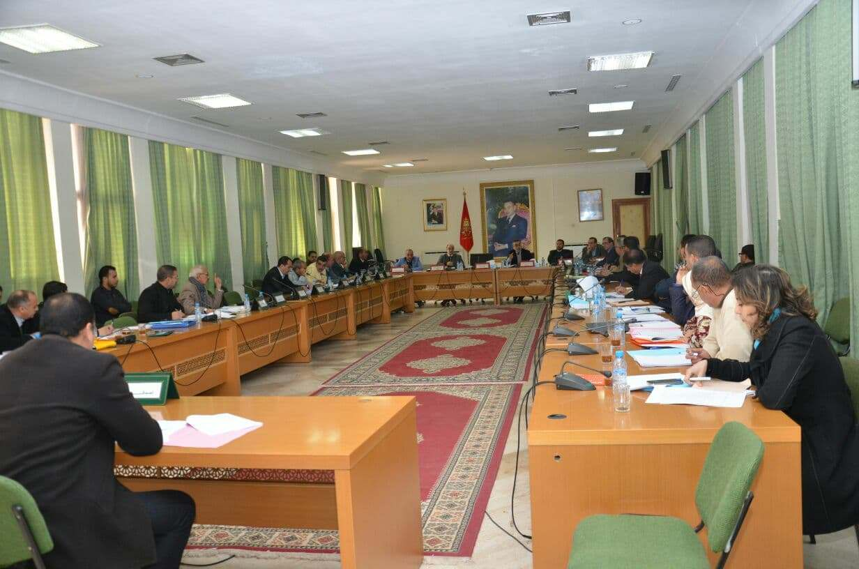 المجلس الاقليمي يصادق على منح دعم خاص للأمن الوطني بتيزنيت و للأطر الطبية بالعالم القروي