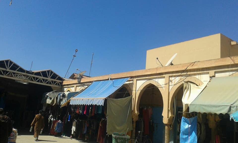 هل سيستفيذ سوق أقشوش من عملية التسقيف قبل الدخول في الاجواء الصيفية ؟