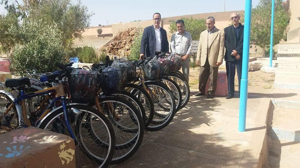 توزيع دراجات هوائية على تلميذات الثانوية الاعدادية اربعاء رسموكة