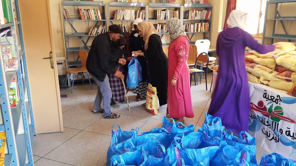 بالصور : جمعية لكم توزع قفة رمضان على الأسر المحتاجة