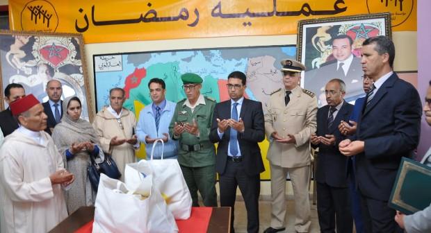 """سيدي افني :عامل الإقليم يعطي انطلاقة عملية الدعم الغذائي """"رمضان 1439"""""""