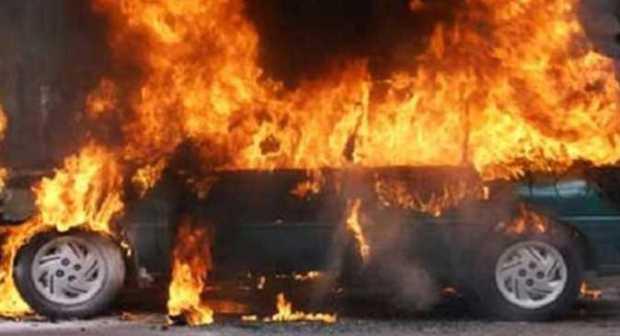 النيران تلتهم سيارة فارهة بأكادير، و تلحق أضرار بليغة بأخرى