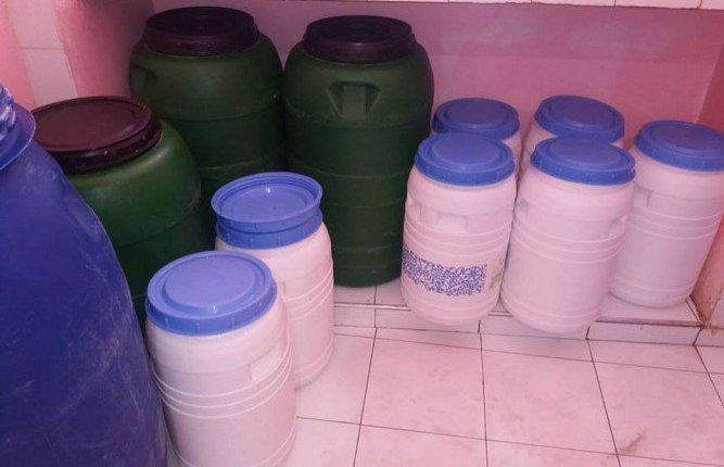 بالصور..حجز كميات كبيرة من الحليب ومشتقاته غير صالحة للإستهلاك بانزكان