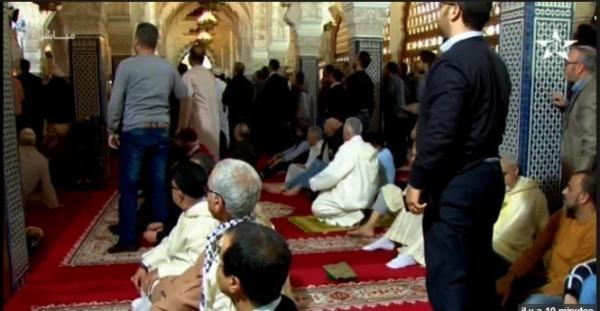 توقيف شخص هاجم مسجد حسان وبحوزته سلاحين أبيض